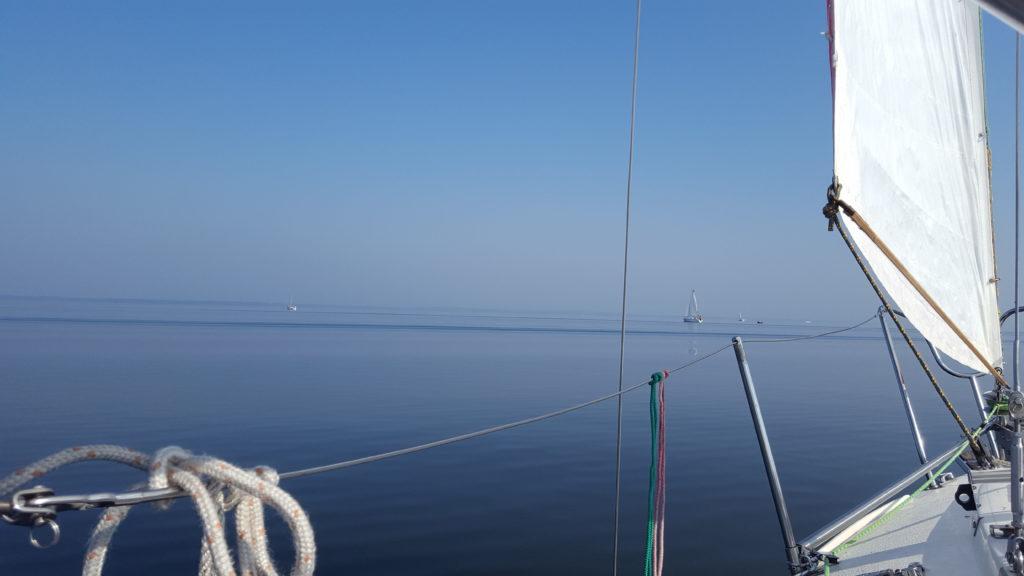 Śniardwy czyli największe jezioro w Polsce gdzie czasem trudno odróżnić niebo od wody. To właśnie tutaj pływamy najczęściej.