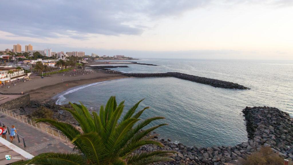 Bliżej Playa del Bobo. Za nią Playa de Troya.