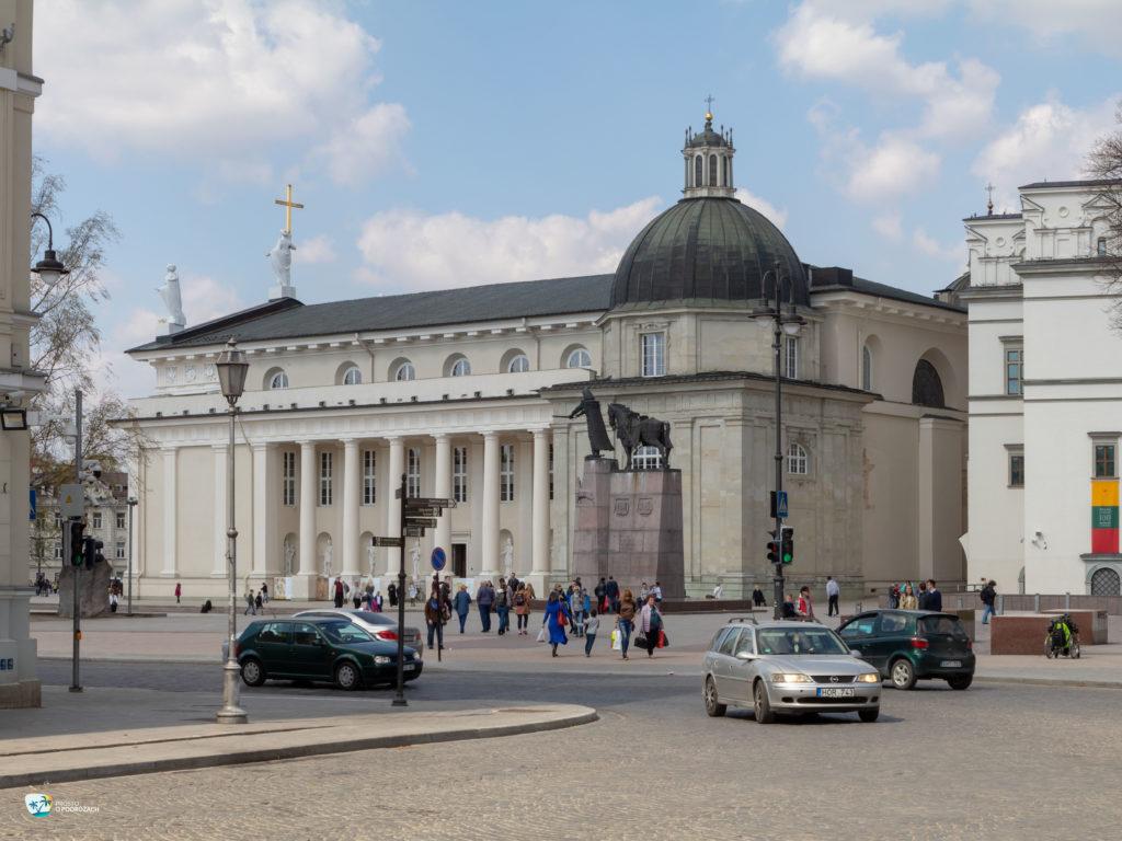 Pomnik Giedymina i Katedra Wileńska
