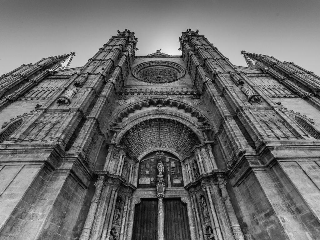 Gotyckie Oko La Seu z innej perspektywy